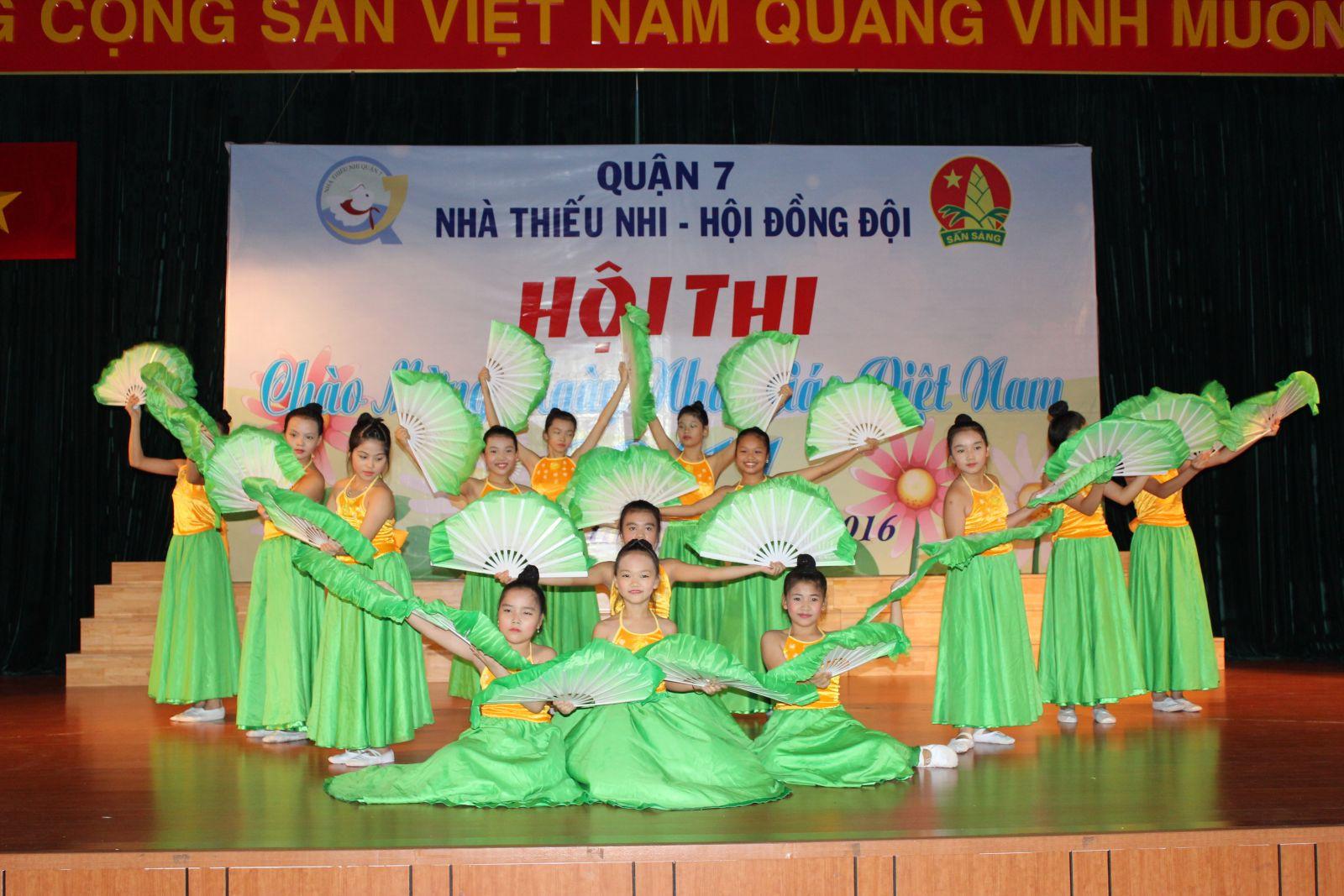 Hội thi chào mừng ngày N hà giáo Việt Nam 20/11