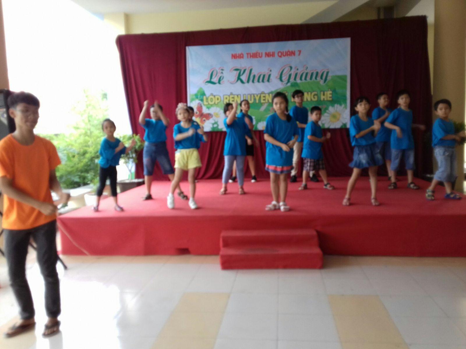 Lớp Rèn luyện kỹ năng hè 2017