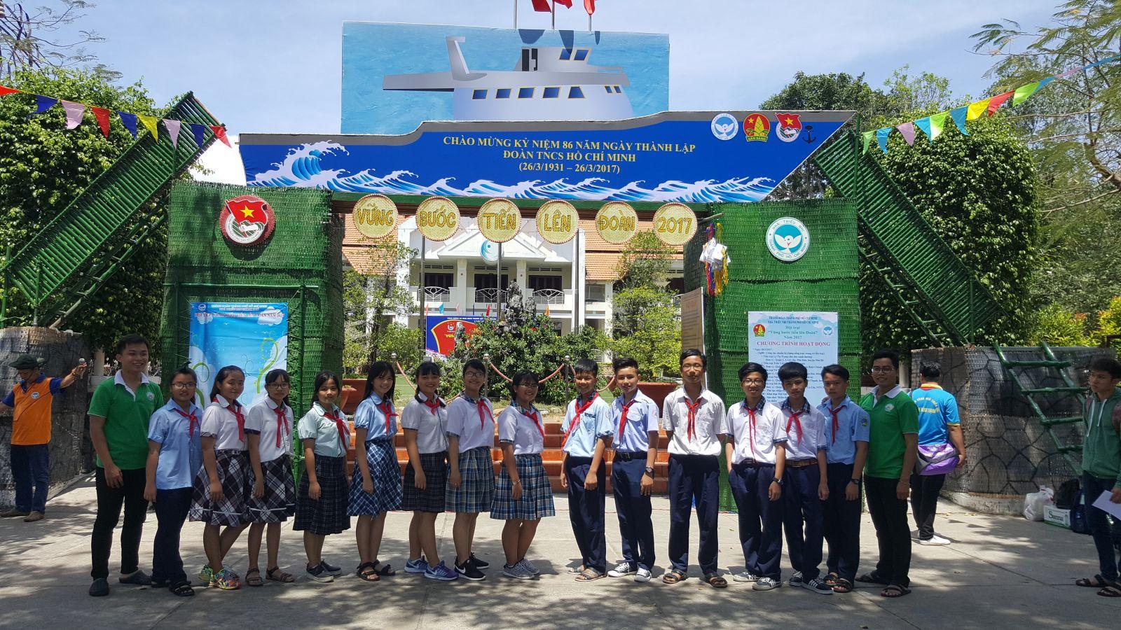 Tham gia Hội trại vững bước tiến lên Đoàn năm 2017